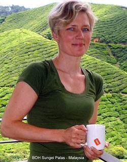 Mette Svanberg i BOH teplantage,  Malaysia.